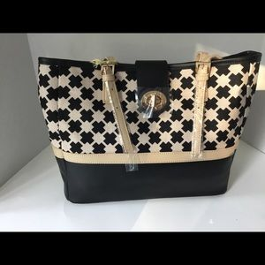 Ellis Square Turn Key Classic Tote by Spartina 449